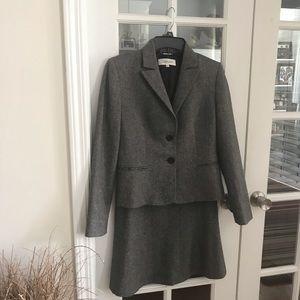 Calvin Klein Gray Tweed Wool Blend Lined Suit 4P